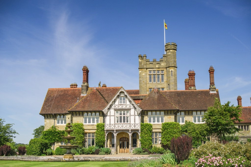 Cowdray House Antiques & Fine Art Fair